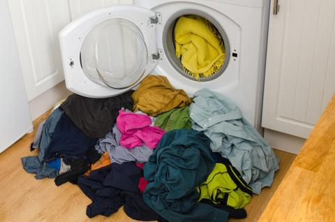 WASHING WITH OTHER CLOTHES