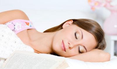 woman dreaming sleeping