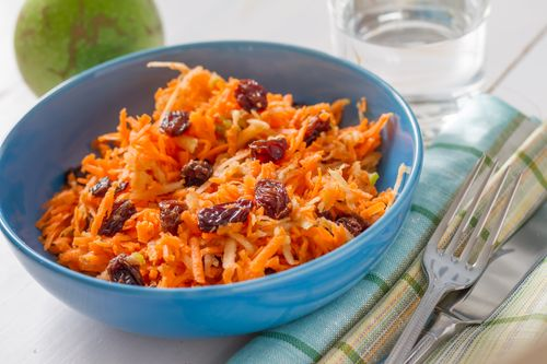 Raisins carrot salad