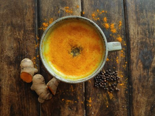 Turmeric milk with black pepper