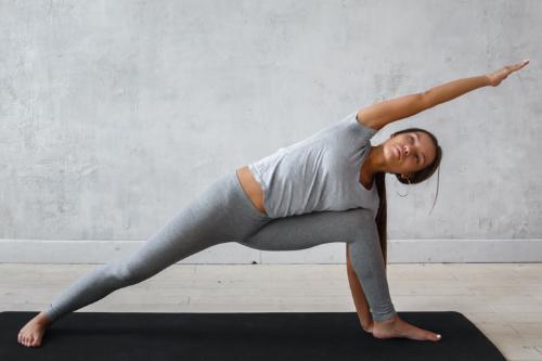 Utthita Parsvakonasana - Yoga for abs